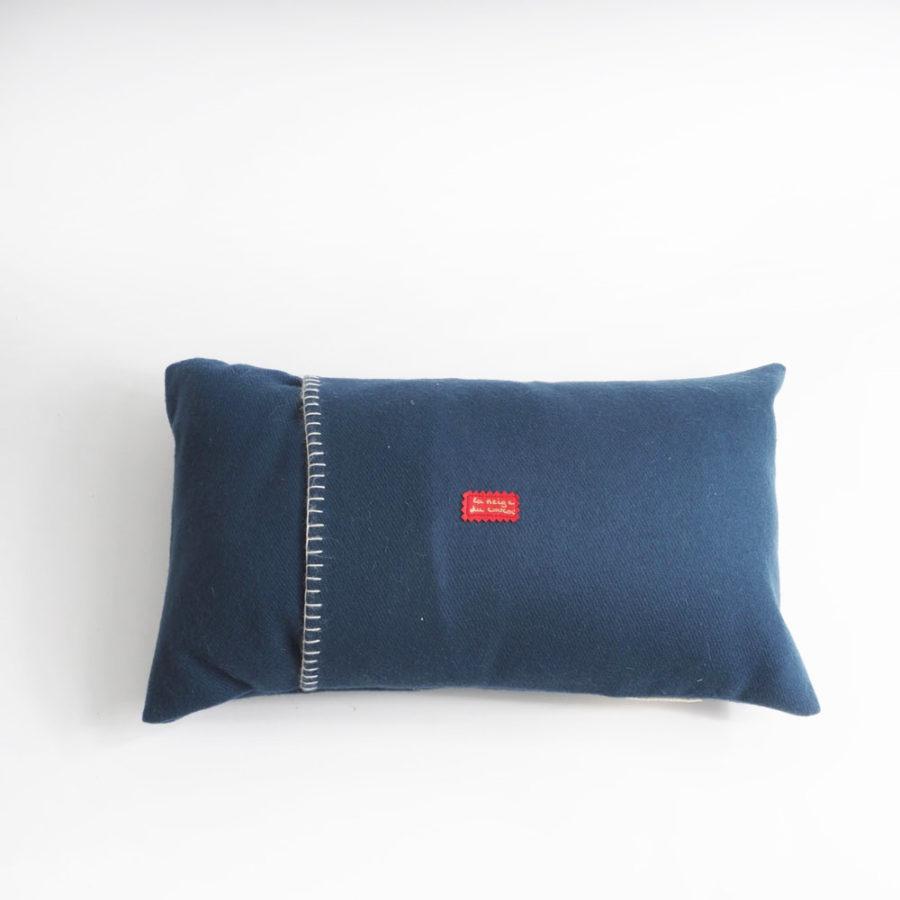 dos de coussin bleu pure laine