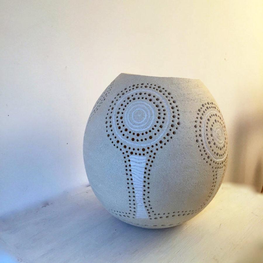 lampe à poser en céramique par Sophie Chemin